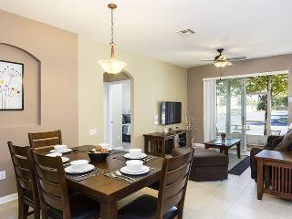Charming Condo   Ground Floor Condo, Located in Bldg 2 with Mickey Mouse Themed Bedroom and Upgraded Living Room, Kissimmee