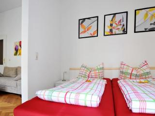 Vacation Apartment in Leipzig - centrally located, breakfast available, stylishly decorated (# 4071)