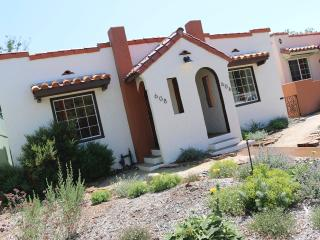 Casita Rojo- Charming Downtown Paso, Paso Robles