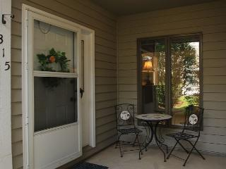 Royal Oak 315 great In-Town condo location, walk to Main Street, Blowing Rock