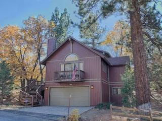 Mountain Sky: Retreat for 12 with Spa, Pool Table, Big Bear City