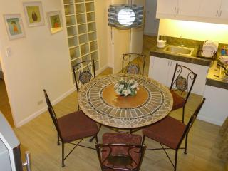 Charming serviced apartment in the heart of Manila, Cavinti
