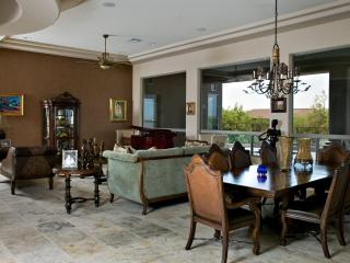 Scottsdale Luxury Home, Prime Scottsdale Location.