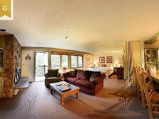A gorgeous studio condo with all the tradition of Manor Vail. Book now through A beautiful vacation condo at Manor Vail Lodge