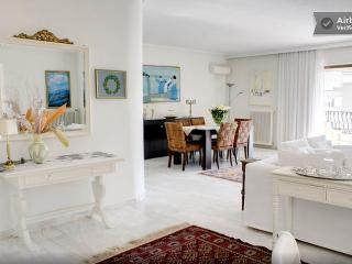 Quiet sea view luxury flat, next to beach, Glyfada