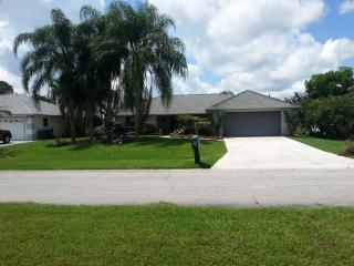 Tropical Paradise 3/2BA Pool Home near PGA, Port Saint Lucie