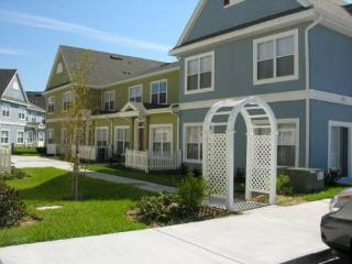 Amazing Venetian Bay 3 Bedroom Townhouse with Clubhouse, Kissimmee