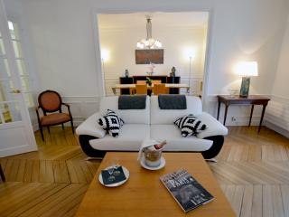 15 LACEPEDE : Prestigious flat in Latin Quarter, Paris