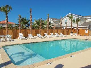 Pet-friendly Townhouse Close to the Beach! Perfect summer Vacay Property!, Corpus Christi
