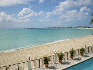 Simpson Bay Beach Condo, located directly on Simpson Bay Beach with common pool