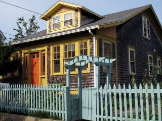 CHARMING 1920'S ARTS & CRAFTS HOUSE. QUIET & CENTR, Provincetown