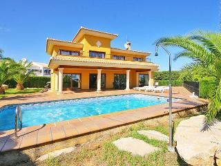V. Bellavista large villa 3 min driving beach, Calpe