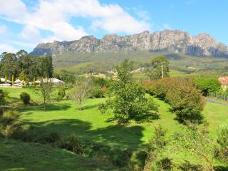 Welcome to Mount Roland Country Lodge, Claude Road