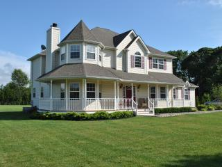 Large North Fork Home For Family Gatherings, Riverhead