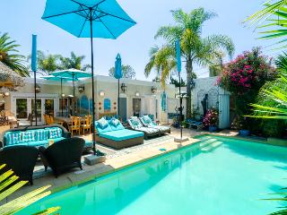 Tropical Pool Patio - Luxury 3 Bedroom House, Santa Monica