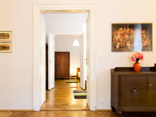 Two great apartments -super large if combined, Cracovia