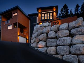 Upscale Ocean Front Luxury Home with Million $ Views!, Halifax