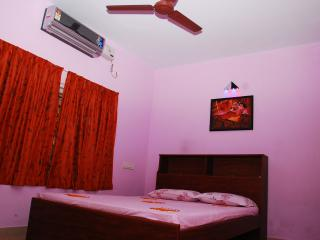 THE PARROT Serviced Villa | FULLY FURNISHED |, Cochin