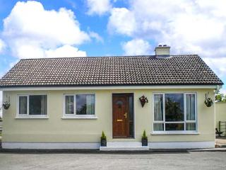 LOUGH BRAN LODGE, detached, ground floor, on banks of Lough Bran, near Carrick on Shannon, Ref 914461, Leitrim