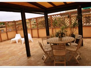 INROMEHOLIDAYHOUSE, Rome