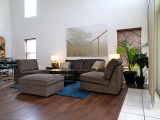 Stylish Villa W Private Pool @ Southern Dunes G&cc, Haines City