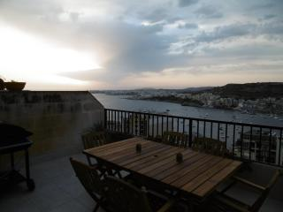 Sea view and Country view 3 bedroom modern Apartment in Xemxija, Malta