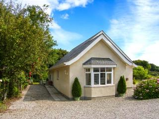 BEDW ARIAN COTTAGE detached, all ground floor, high quality cottage in Benllech Ref 916021