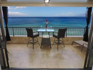 Maui Kai 805 open lanai 180 degree views, Ka'anapali