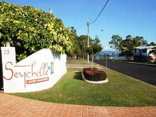 Seychelle Holiday Units, Tin Can Bay