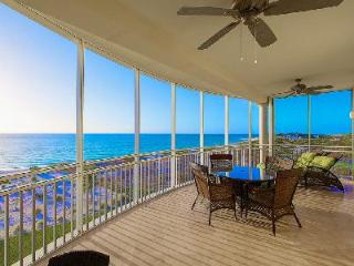 The Venetian - Lovely Oceanfront Apartment Conveniently Located near Town of Provenciales, Providenciales