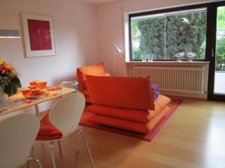 LLAG Luxury Vacation Apartment in Tübingen - 592 sqft, high-quality furniture, with terrace and private…