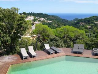 Villa with Pool and Views of Begur Castle & Sea