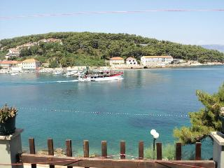 Apartment with sea view on island Hvar!, Jelsa