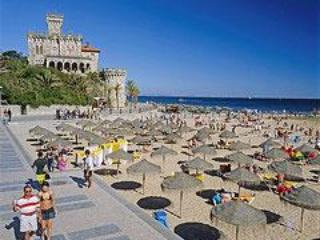 Beautiful condo next to Estoril beaches and casino