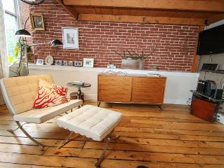 313 Arch 501 Historic Old City Location! Sleeps 5, Philadelphia