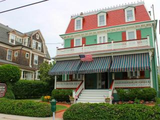 Design Show House - Beach Block in the Heart of To, Cape May