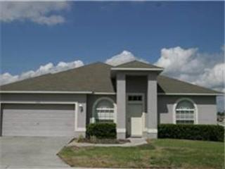 4 bedroom 3 bathroom pool home villa at Wildflower Ridge, close to Disney, Coral Springs