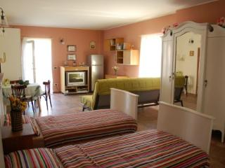 Country Chic apartment near Comabbio and Maggiore lakes, Mercallo