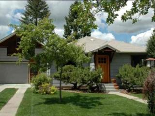 Artsy Bungalow in Central Bozeman