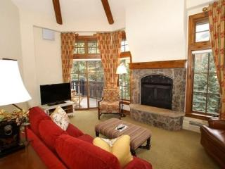 This beautiful Austria Haus penthouse condominium is perfectly located in the heart of Vail Village.