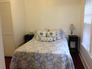Suite 1 In Victorian Community Washer/dryer 3 beds, Louisville
