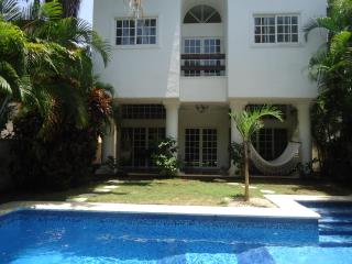 Beautiful Villa in Playacar with own swimming pool, Playa del Carmen
