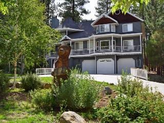 Bear Heaven - Victorian Estate Close to Resorts!, Big Bear Lake