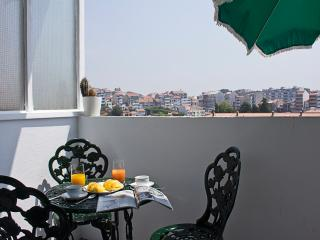 Poetry and Elegance in Oporto, Portugal (3BDR), Porto