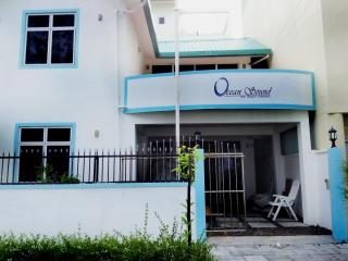Ocean sound - the beach hangout ( Holiday Rental house), Hulhumale