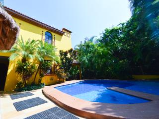 Home with Private Pool close to the beach!, Playa del Carmen