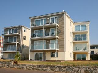 Latitude East with direct sea views, Bournemouth