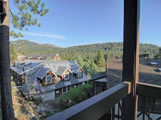 Squaw Valley Tavern Inn 16 Vacation Rental, 7 Night Minimum for Holidays, Olympic Valley