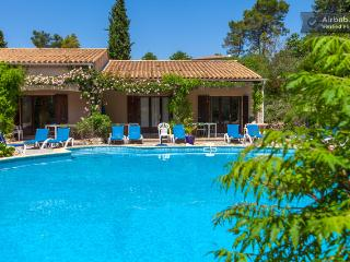 Wonderful 2 Bedroom Vacation Home in Les Arcs sur Argens, Provence