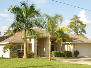 Beautiful Vacation Home with Heated Pool Near Golf, Lehigh Acres